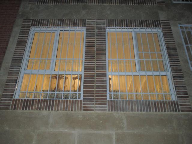 حفاظ پنجره ساده