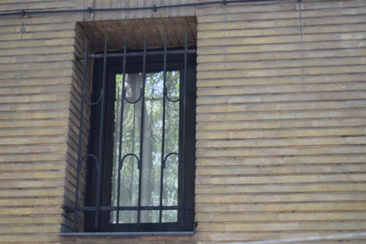حفاظ پنجره الکترواستاتیکی