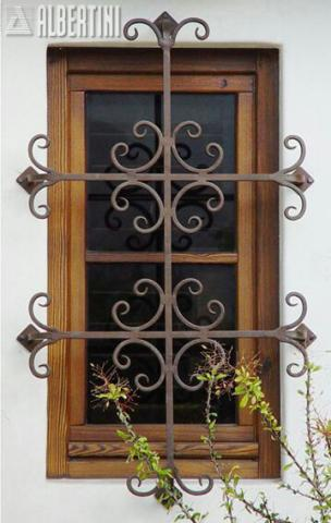 حفاظ پنجره جذاب با رنگ کوره ای