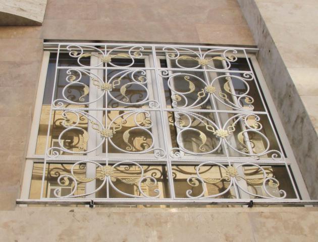 حفاظ پنجره با طرح های قرینه