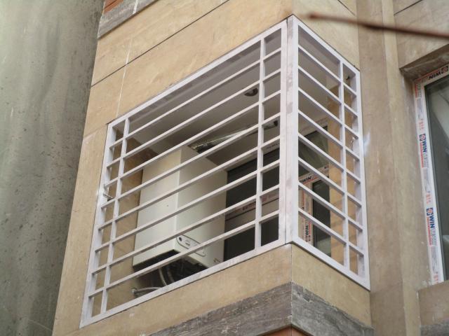 حفاظ پنجره ساده با رنگ سفید الکترواستاتیکی