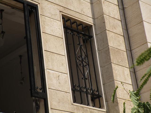 حفاظ پنجره فرفورژه مشکی