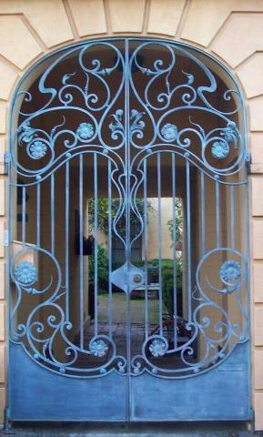 درب فلزی کلاسیک آبی
