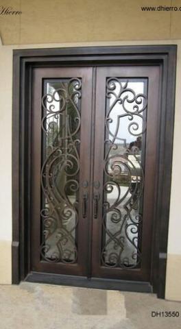 درب فلزی با چهارچوب قهوه ای