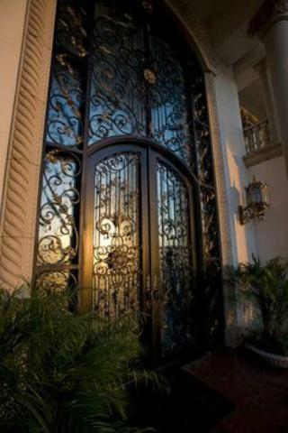 درب فلزی سلطنتی