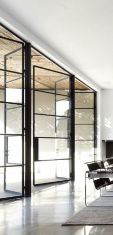 درب فلزی مدرن برای سقف های بلند